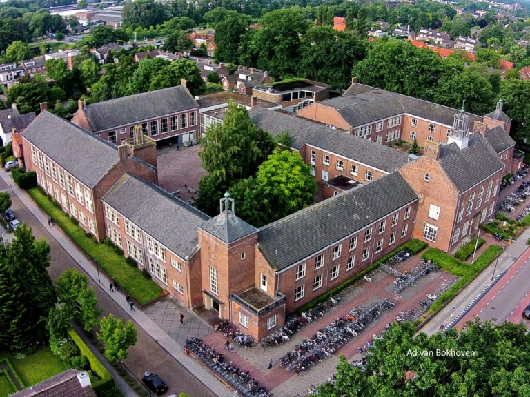 Moller college luchtfoto